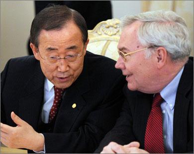 بان كي مون (يسار) أكد دعم الرباعية لجهود إقامة دولة فلسطينية (الفرنسية)