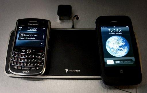 """أعلنت المفوضية الأوروبية الأربعاء أنه اعتبارا من العام المقبل سوف تتوفر أجهزة """"موحدة"""" لشحن الهواتف المحمولة مهما كان نوعها، شرط أن تكون تلك الهواتف من الجيل الجديد الأكثر تطورا."""